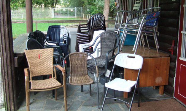 Stühle suchen ein Zuhause